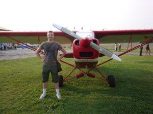 Lidojot blakus lidmašīnas pilotam. Ādažu lidlauka izklaides.