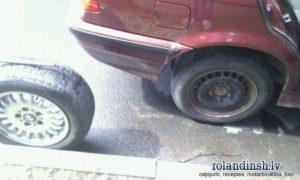 Pirmā BMW riepa nomainīta