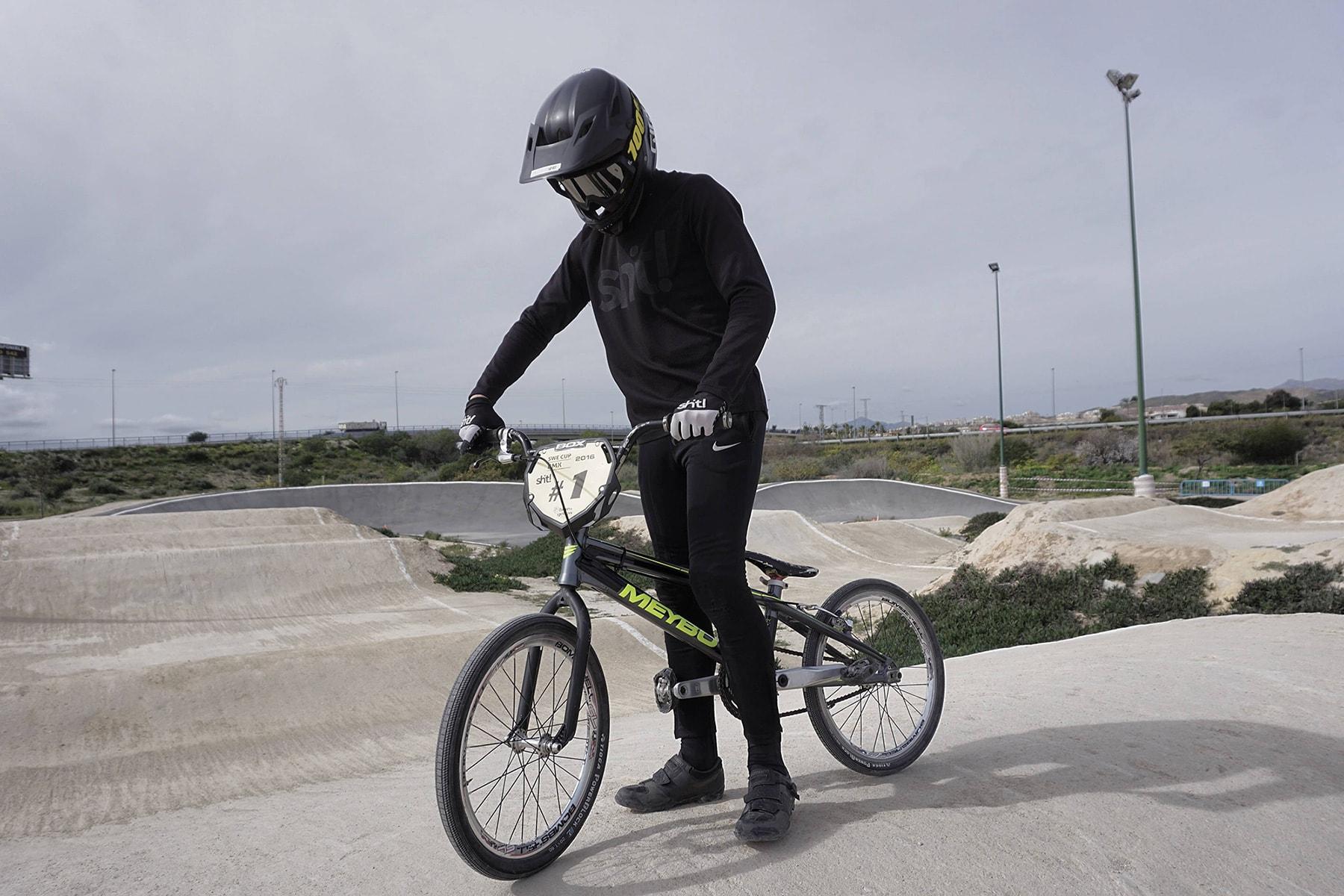 Oskar Kindblom bmx racing pose in Spain