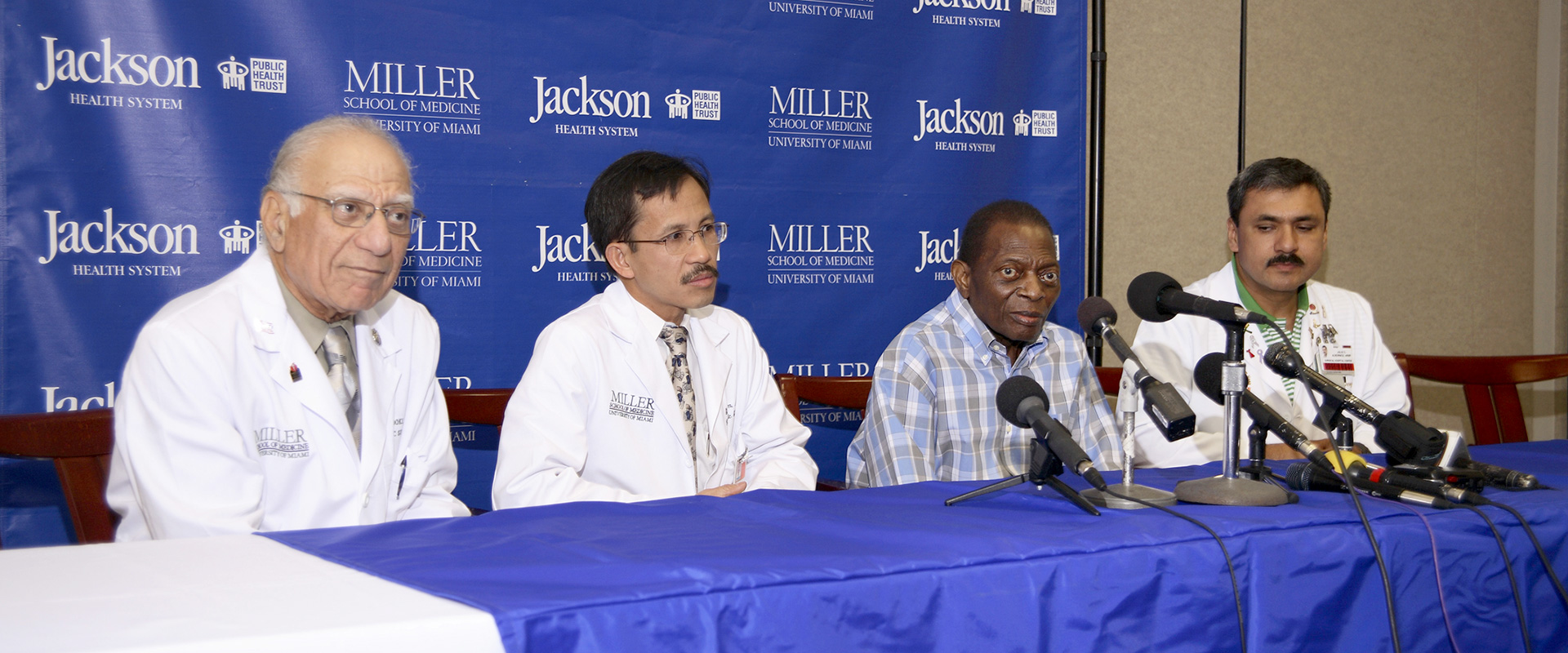 Dr. Si Pham, team and Louis James Quarterman press conference large
