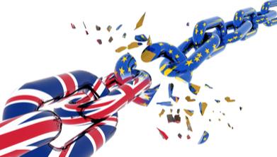 L'orologio Brexit va avanti, Apple accellera