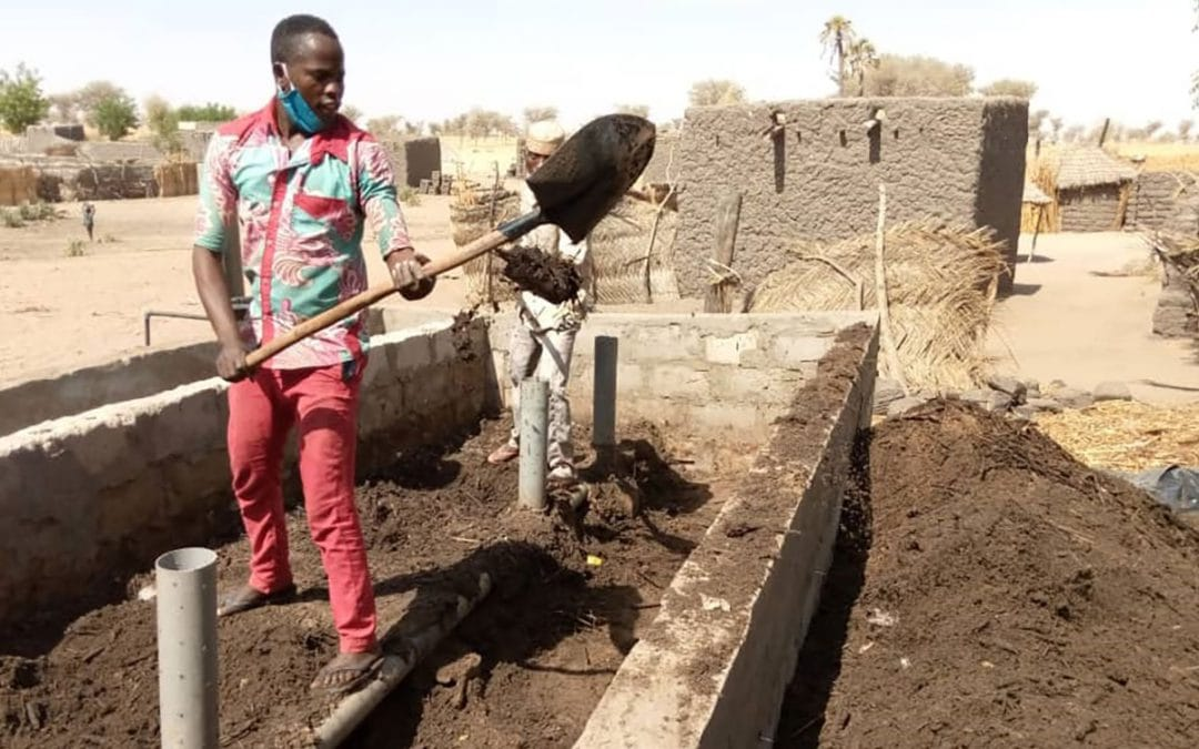 Smallscale composting can help put the brakes on youth immigration in Niger (ICRISAT)