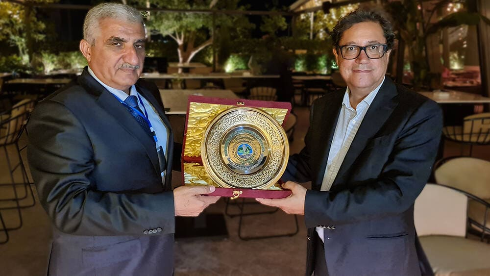 ICARDA DG receives ASCAD shield