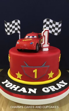 Disney Cars Cakes Charm S Cakes And Cupcakes