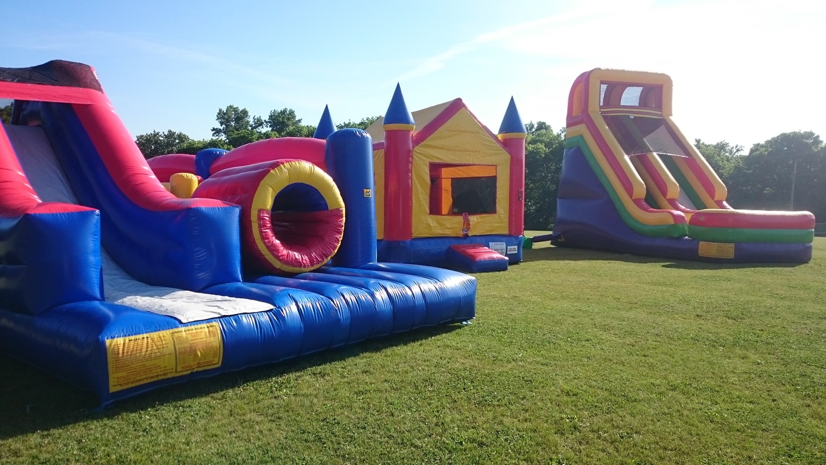 inflatable bounce houses water slides for rent in nashville tn rh mybackyardbounce com yard bounce house yard bounce house with slide