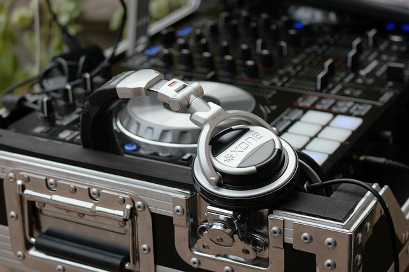 Skilled DJ's