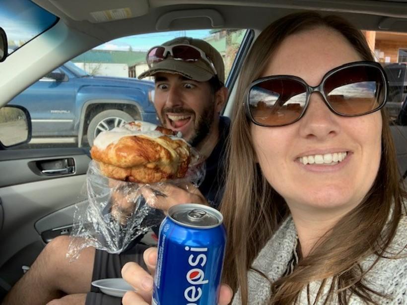 Braeburn cinnamon bun and Yukon's Choise: Pepsi