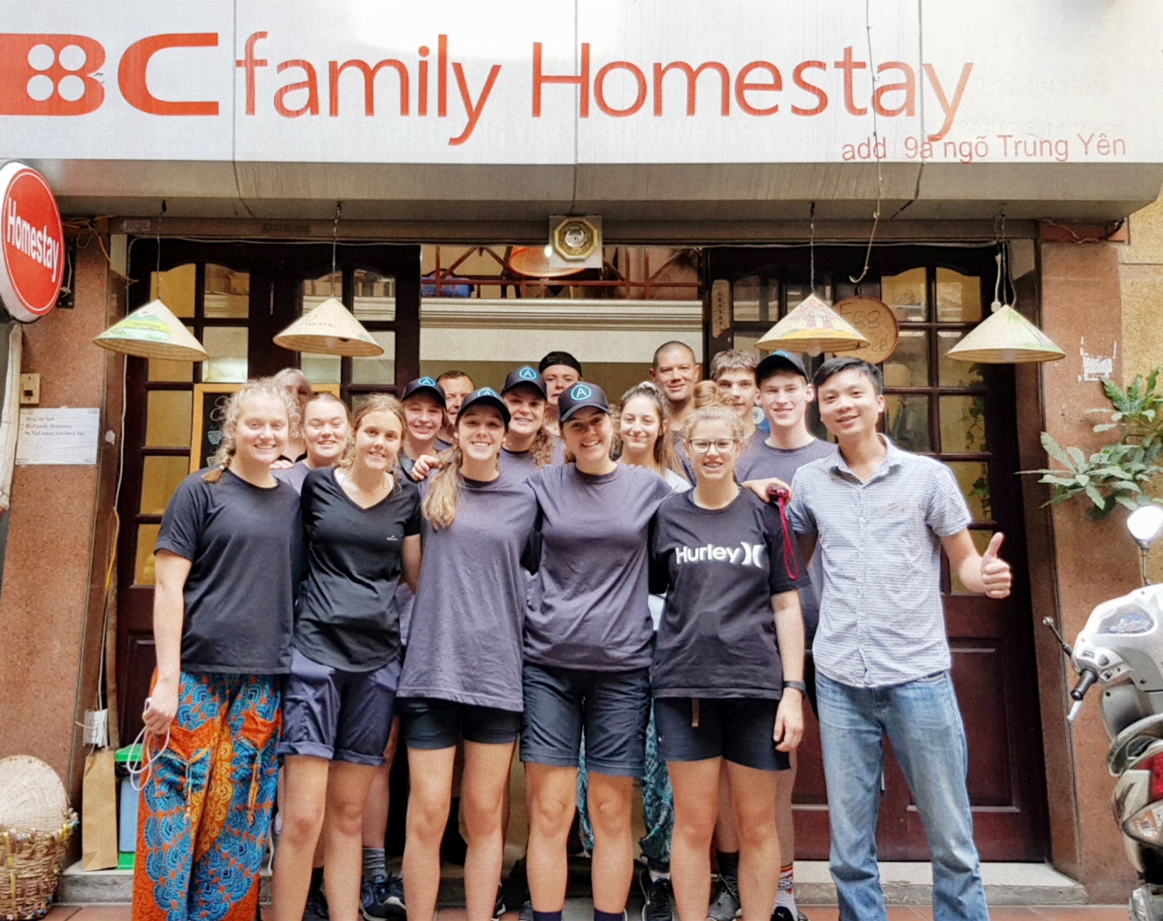 Hướng Dẫn Đặt Phòng tại BC Family Home