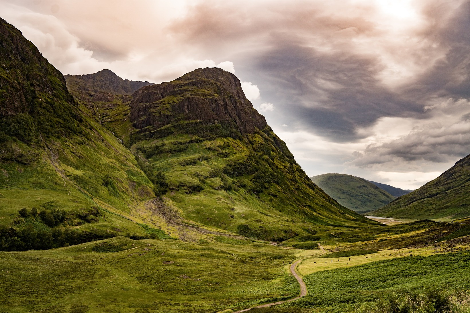 Explore the Highlands with a day or multi-day tour