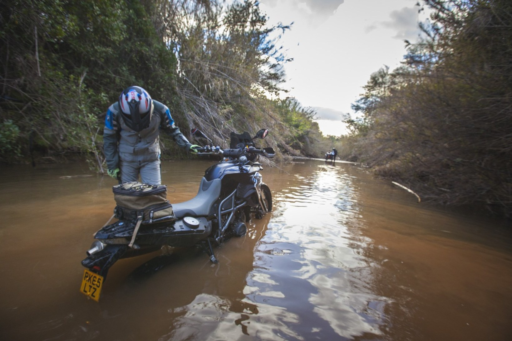 Brake Magazine – How to cross rivers