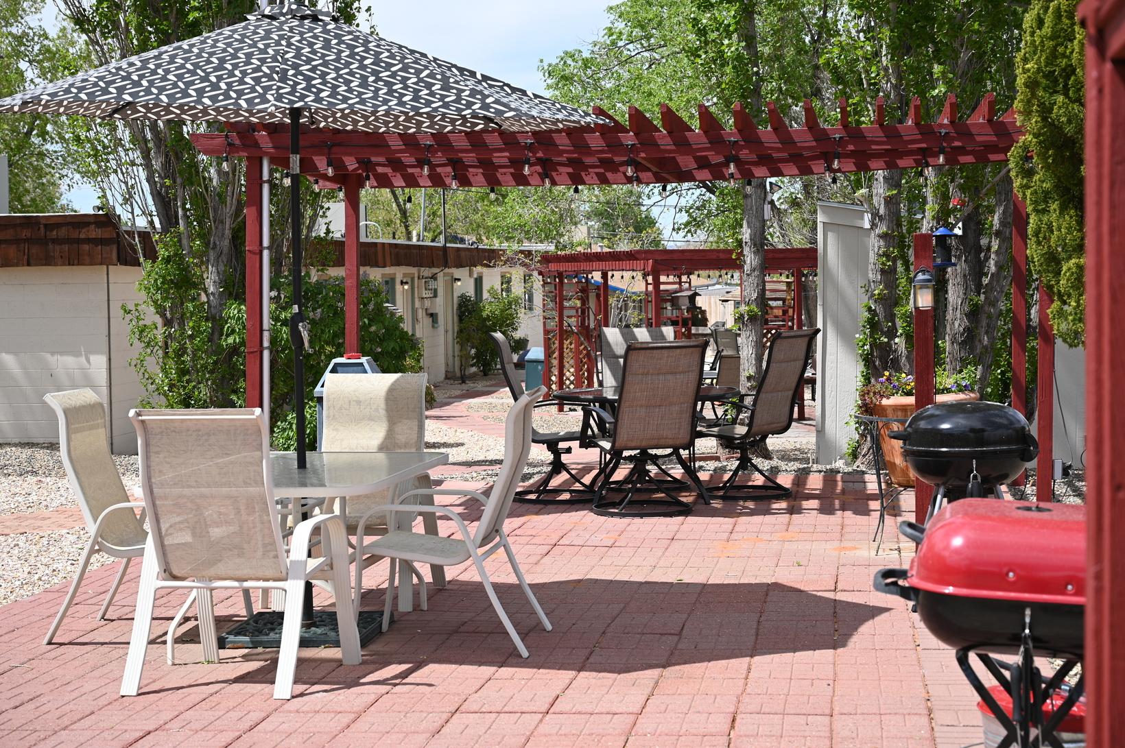Desert Canyon Inn back patios
