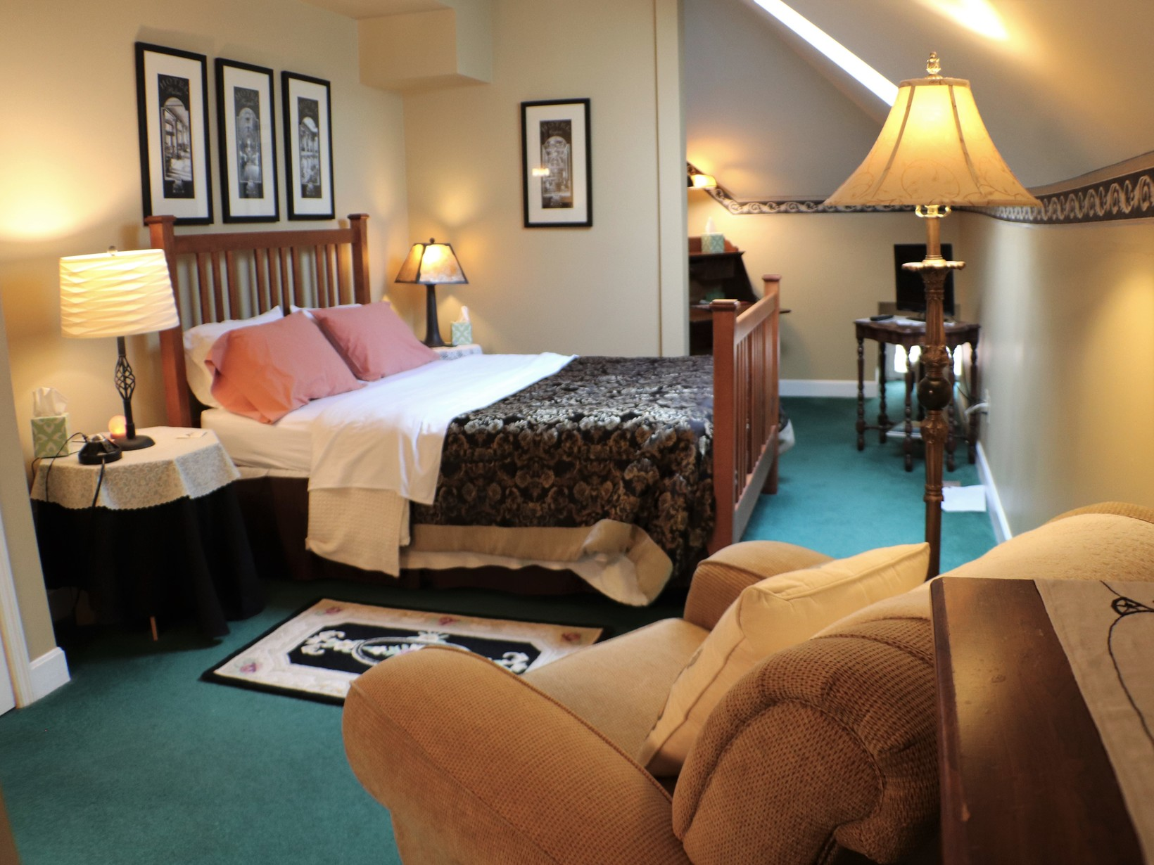 7 quaint and comfortable rooms