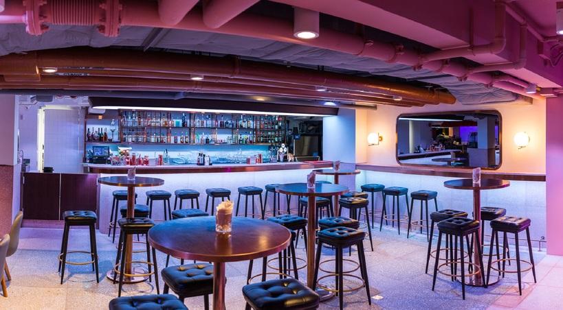 Restaurant & Bar (3,000 sqft)