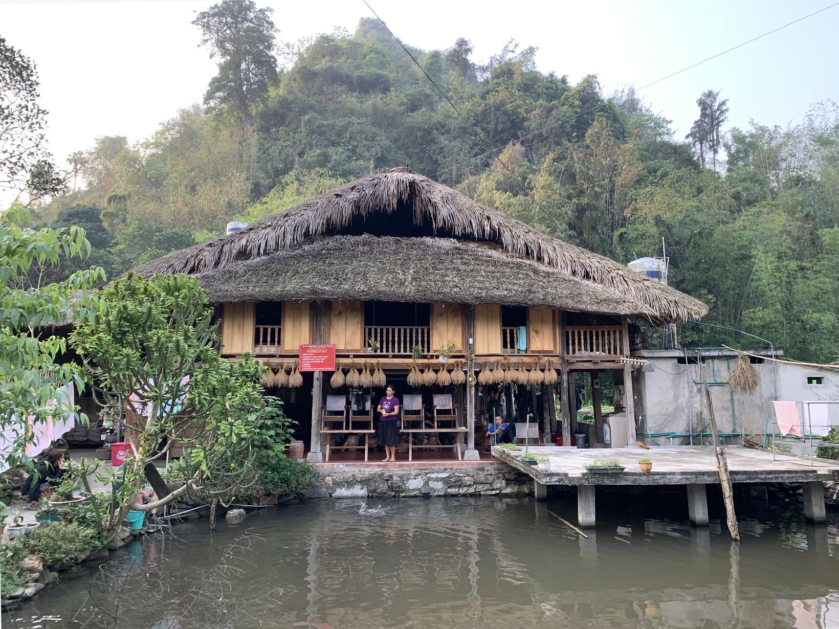 Homestay in Thon Tha