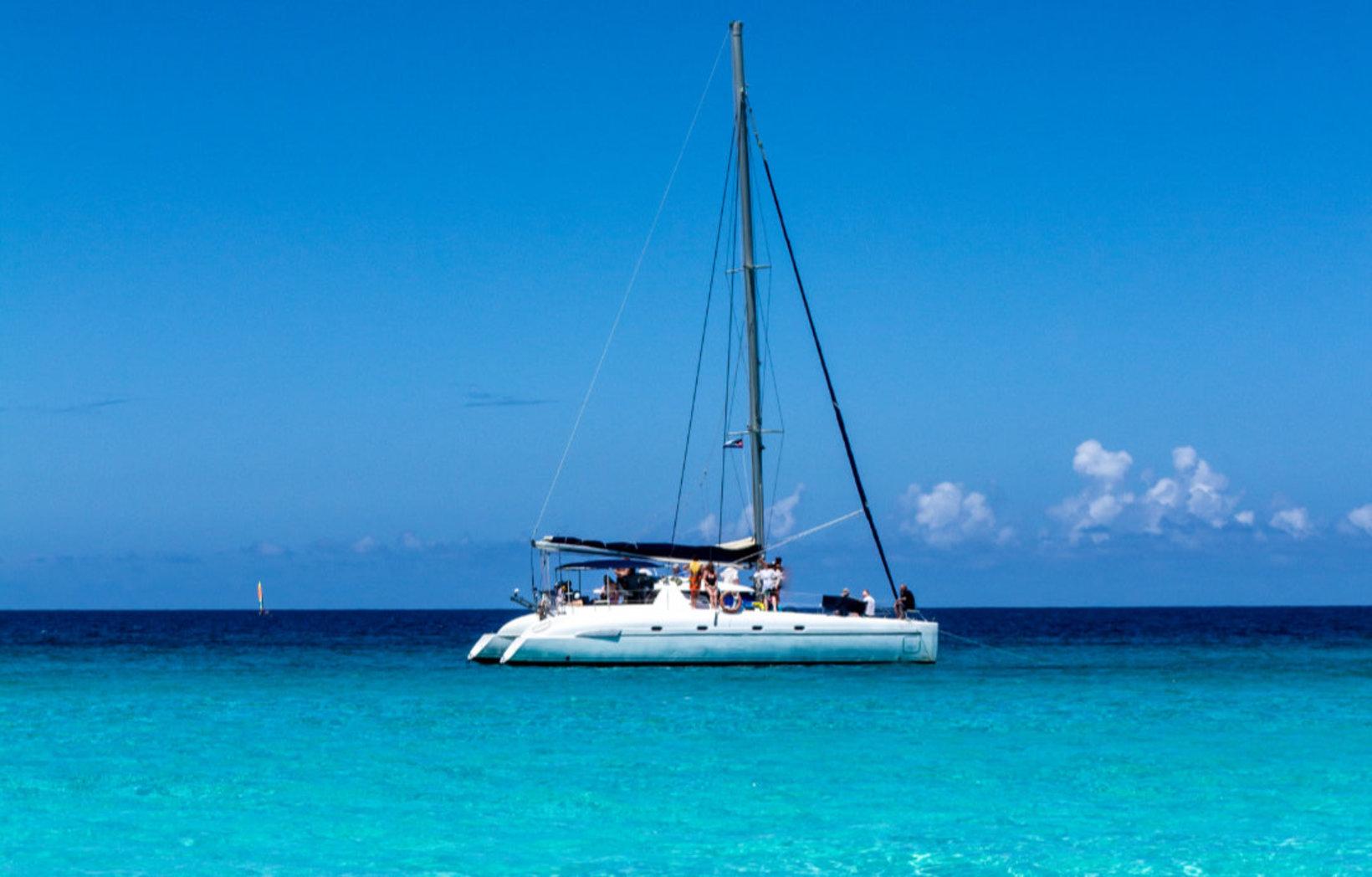 Se laisser porter par le vent en Catamaran
