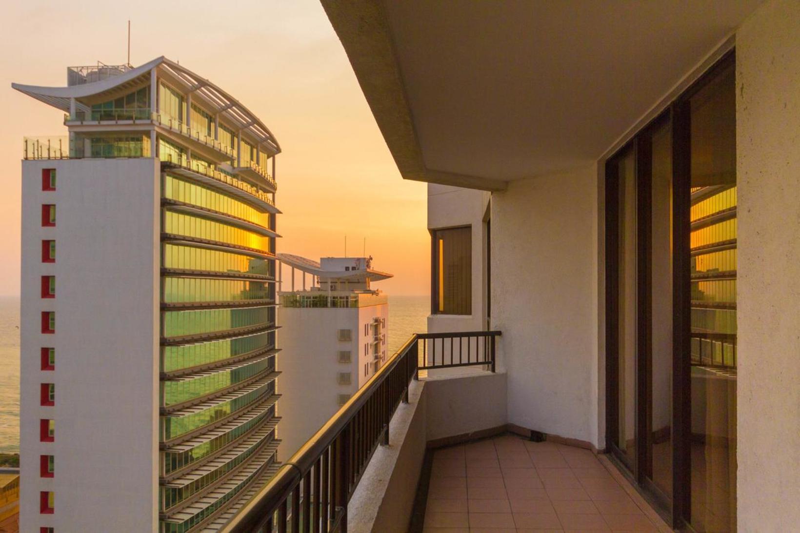 Crescat Residencies, Colombo