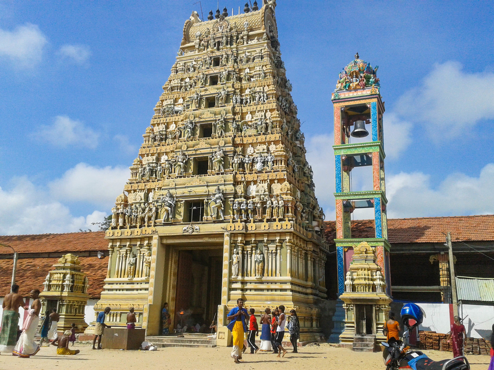 Vallipura Aalvar Kovil, Jaffna