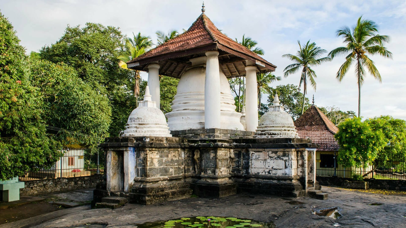 Gadaladeniya Vihara, Pilimathalawa