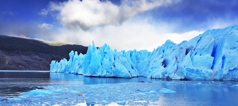 Imagen de los hielos eternos del lago grey