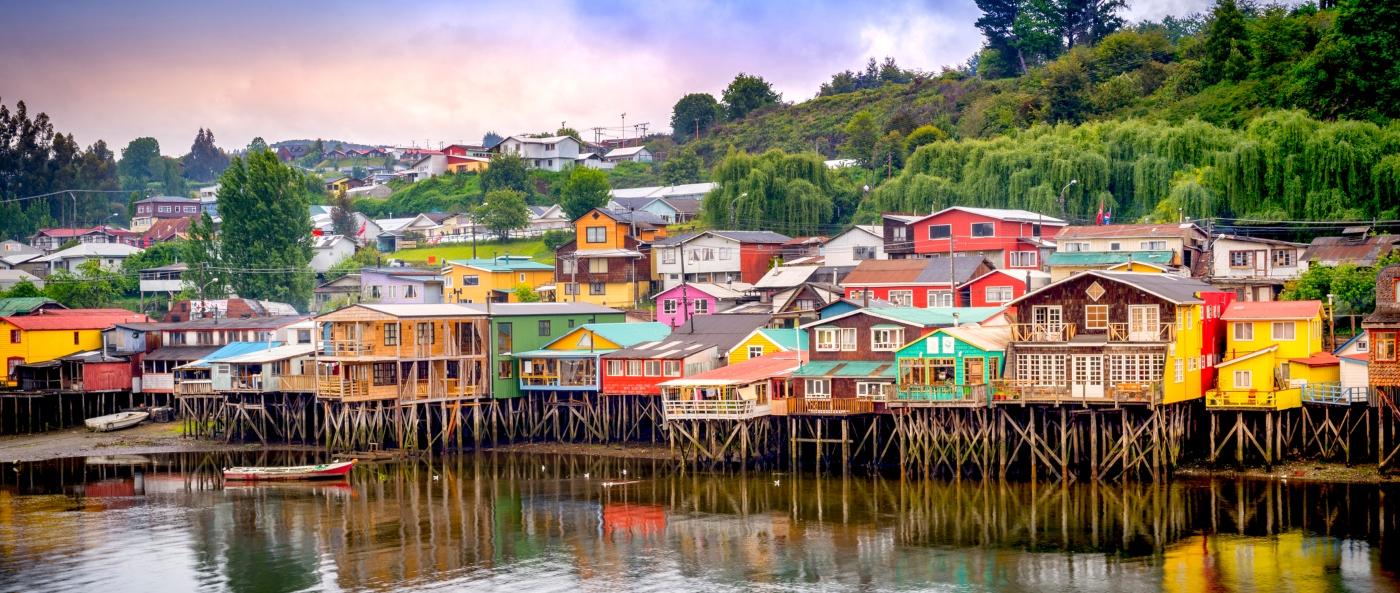 Coloridos Palafitos de Chiloé