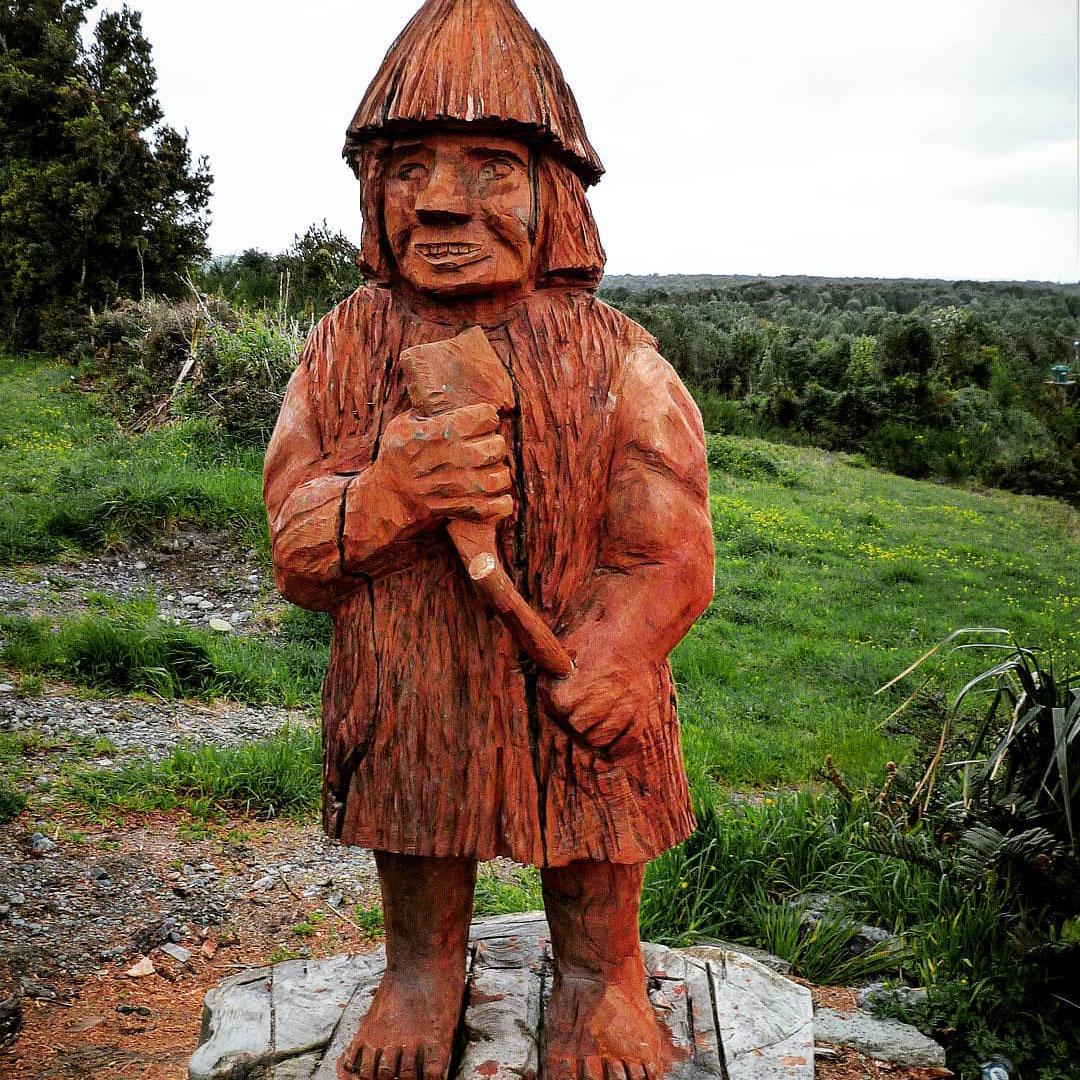 """""""El Trauco"""" tallado en madera, Chiloé"""