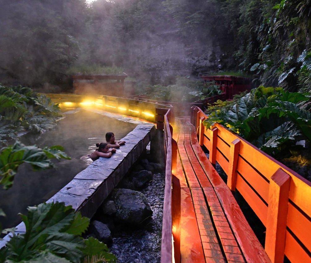 Waterfall and vegetation at the Termas Geométricas hot springs