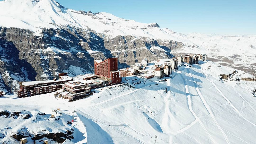 Día despejado en el Valle Nevado Ski Resort