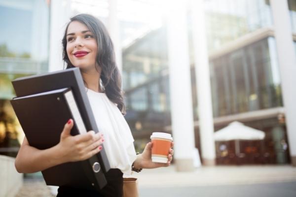 create an employee handbook 600x400