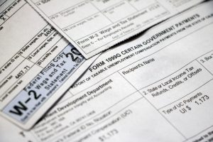W-2 vs. 1099: Which workers get which?