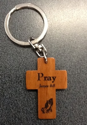 Wooden Cross Keyring: Pray