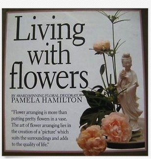 Living with Flowers (1st Edition)