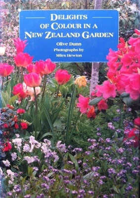DELIGHTS OF COLOUR IN A NZ GARDEN