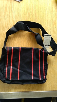 Freeset Small Satchel (Black and Red)