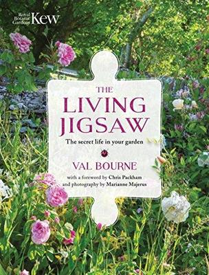 The Living Jigsaw : The Secret Life in Your Garden