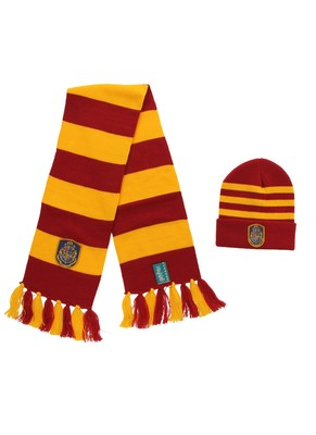 Hogwarts Knit Hat and Scarf