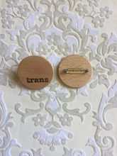 Homepage_pronounbadge06trans