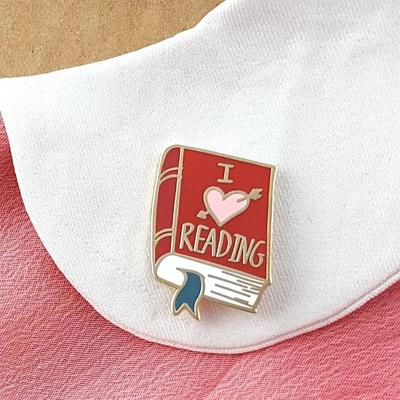Large i heart reading jubly umph lapel pin