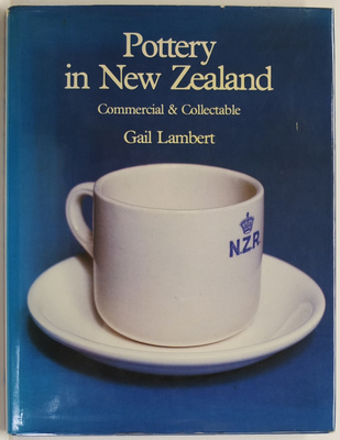 Pottery in New Zealand : Commercial and Collectable