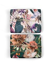 Homepage_black_cockatoo_with_autumn_roses_wrap