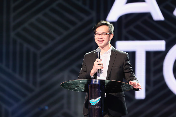 Bobby Chaw: Commit Yourselves To The Presence Of God