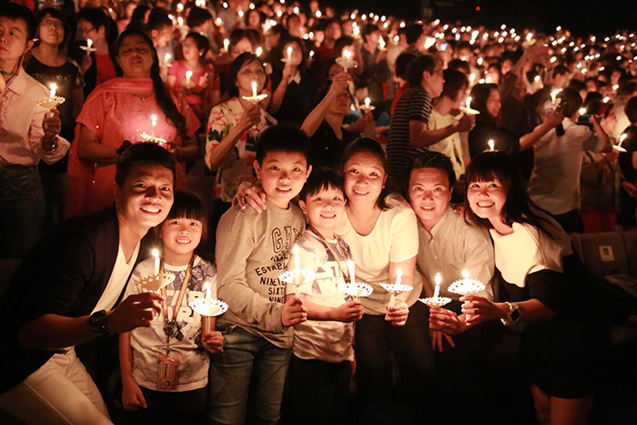 img-6-Reasons-Why-You-Must-Catch-CHCs-Candlelight-Services