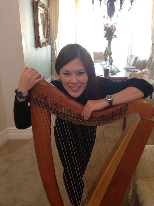 img-A-Harpist-And-Her-Story