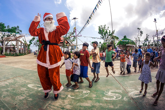 CHC Disaster Relief Team 5: Spreading Love This Christmas