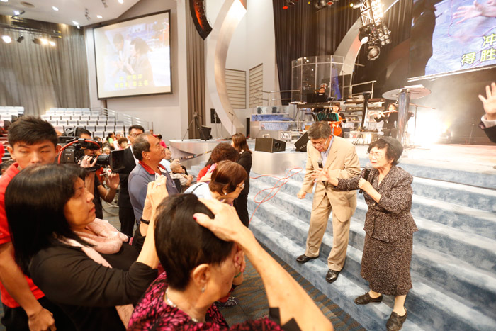 Dialect Church: Service With Haruko Morimoto, Mother To Tokyo's Homeless