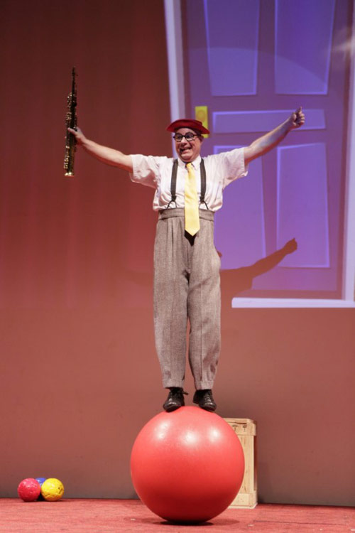 Red Nose Theatre: Laughing With Kenny Ahern