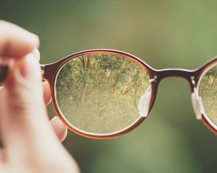 glasses that you can see clearly through the glass