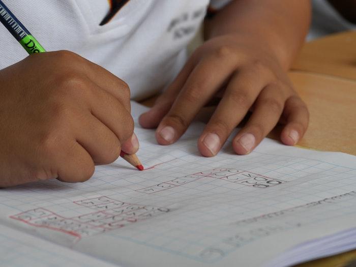 composition-creativity-desk-education-Photo Pexels web