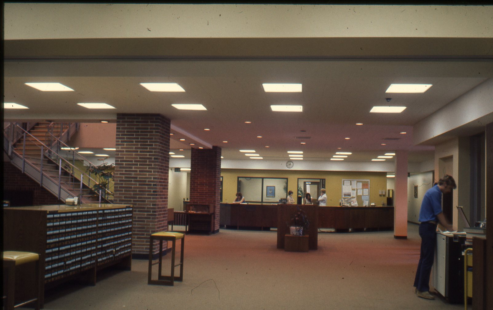 Blackwell Library Reference Desk, circa 1980-1999