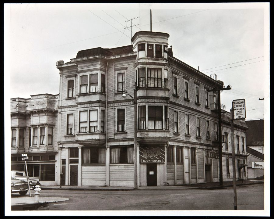 In 1907, the Eagle House Inn changed hands and became the Buon Gusto Hotel & Restaurant for the next 50 years. This photograph was taken in the mid-twentieth century, while the property was owned by the Massei family, which operated the Buon Gusto.