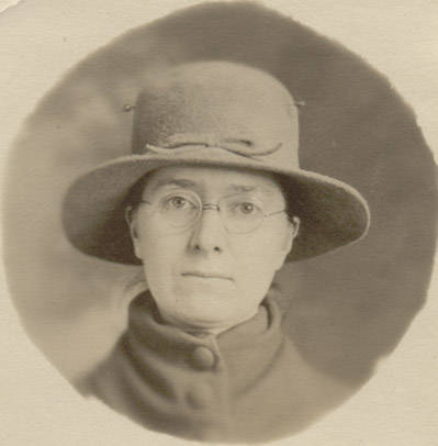 Annette Young (1885-1975)